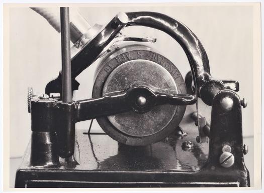 2_Phonograph Detail
